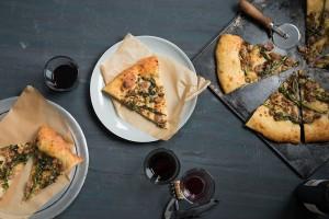 sliced-broccoli-rabe-sausage-pizza