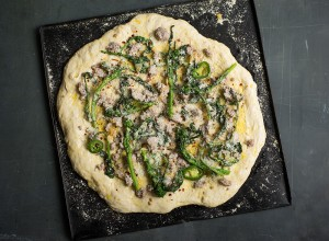 preparing-broccoli-rabe-pizza-andyboy