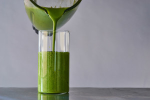 smoothie_poured-broccoli-rabe