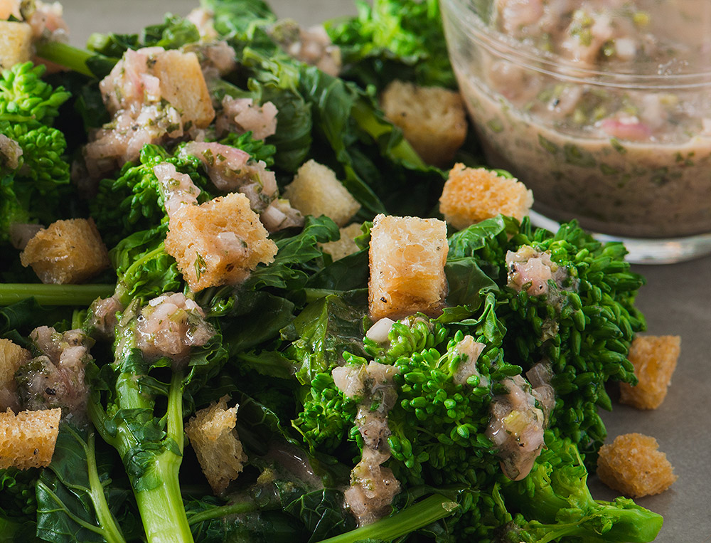 Steamed Broccoli Rabe and Crouton Salad