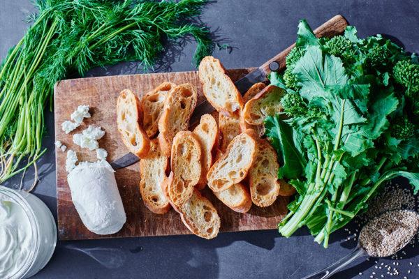 broccoli-rabe-sesame-crostini