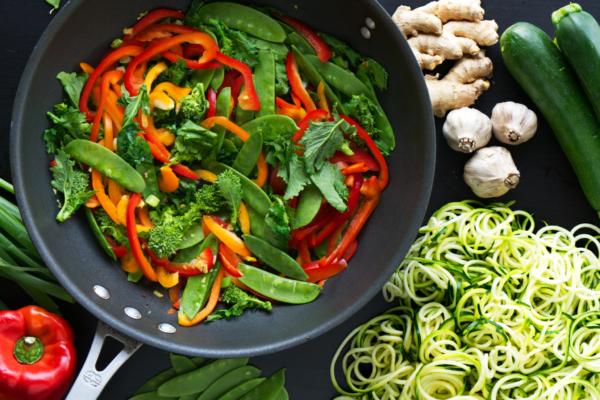veggie-zoodle-stir-fry-broccoli-rabe
