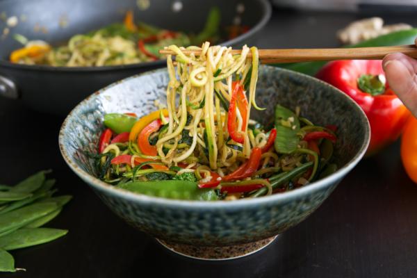 veggie-zoodle-stir-fry-rapini